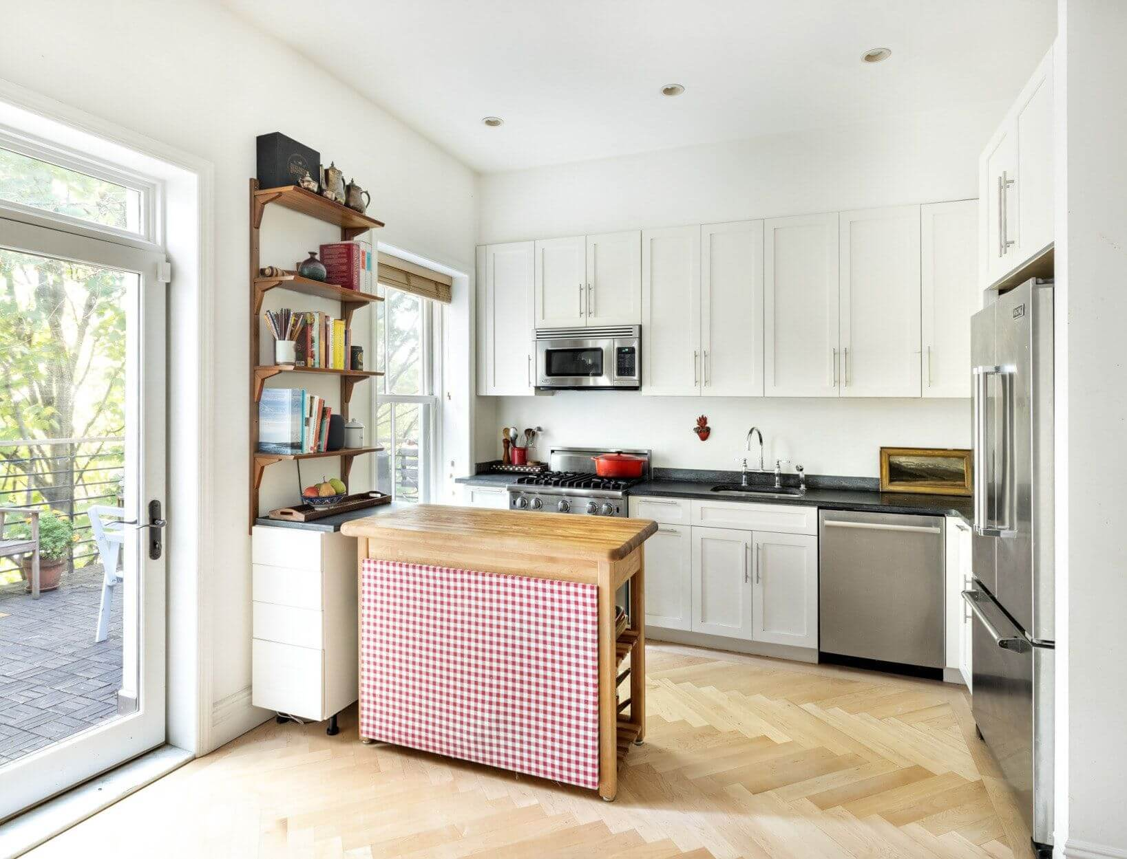 brooklyn-apartments-for-sale-fort-greene-256-cumberland-street-kitchen