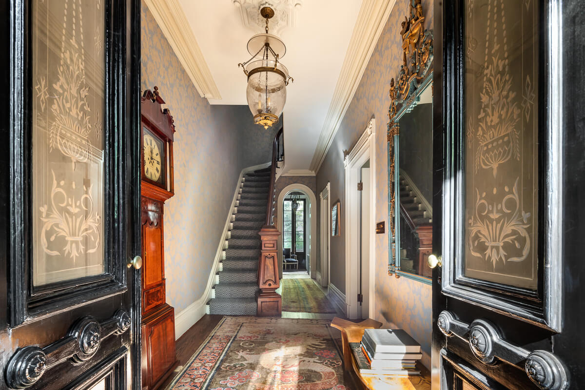 interior of 19 cranberry street in brooklyn heights