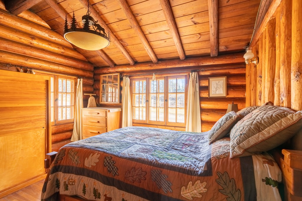 interior of cabin on knottingham road in ray brook ny